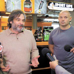 Основатель сети клубов Sport Life Дмитрий Екимов (слева) и председатель Волынского облсовета Игорь Палица