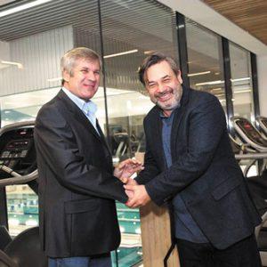 Основатель ПБМБ «Строитель-П» Виктор ПОПОВ (слева) и основатель ГК Sport Life Дмитрий Екимов