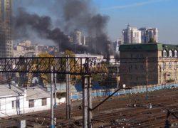 В Киеве горел завод, в котором находится помещение нового телеканала Мураева