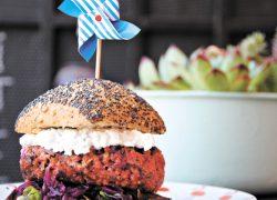 Диетолог советует киевлянам заменять мясо бобами