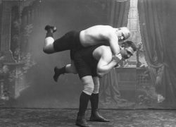 Бульон, каша и усы: старый рецепт силы атлетов