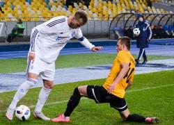 «Динамо» окопалось на первом месте