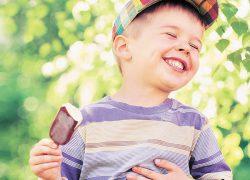 Пара плюсов  мороженого в жару