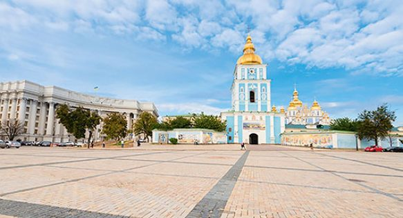 Михайловскую площадь полностью очистили от автомобилей
