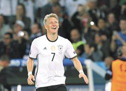 Швайнштайгер похвалил нашу сборную